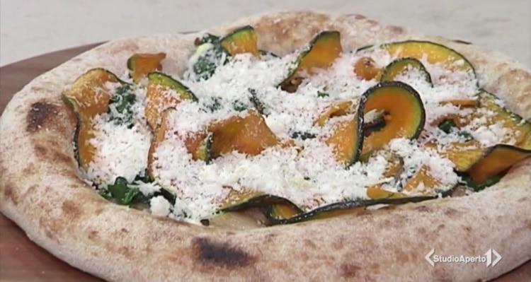 Cotto e Mangiato ricetta 19 novembre 2020: pizza autunnale