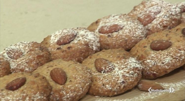 Cotto e Mangiato ricetta 20 novembre 2020: biscotti con mandorle senza burro
