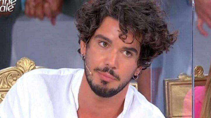 Uomini e Donne, oggi: Gianluca abbandona il trono,  scatta la passione tra Gemma e Maurizio