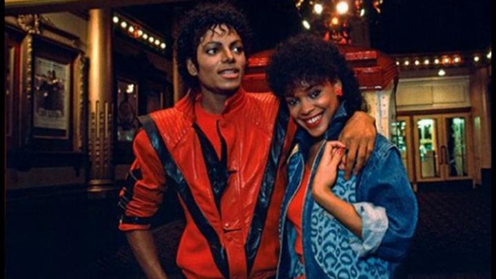 Che fine ha fatto Ola Ray, la ragazza di Michael Jackson in Thriller: oggi ha 60 anni e scrive libri