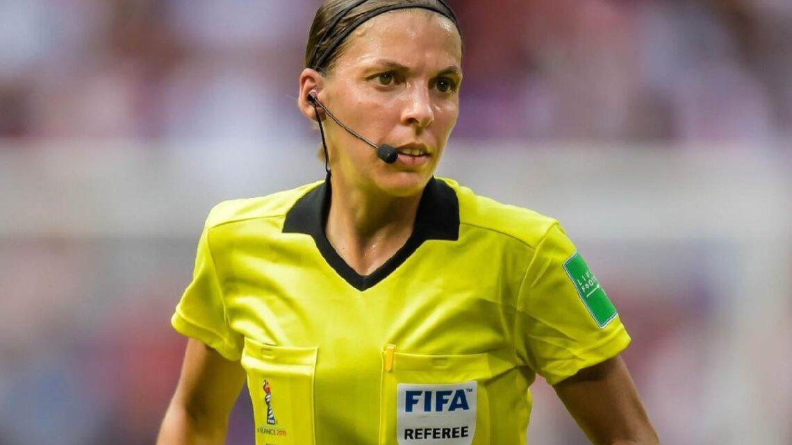 Chi è Stephanie Frappart, il primo arbitro donna in Champions League?