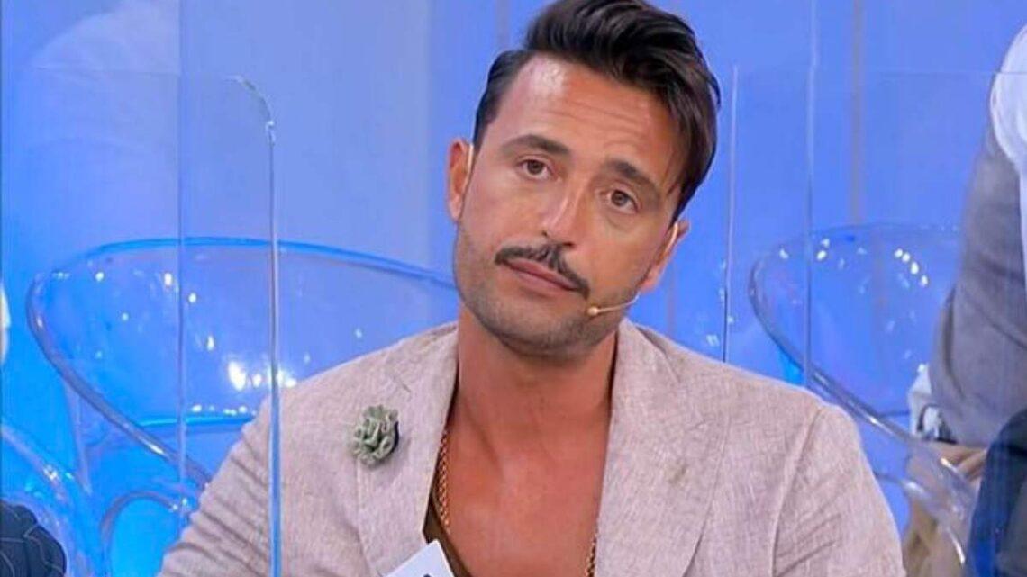 Uomini e Donne, oggi: Armando manda via Marianna, Sophie discute con Matteo