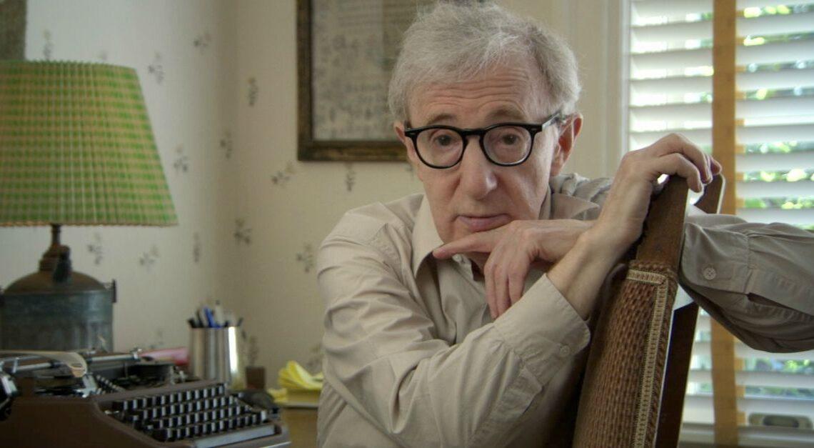 Tanti auguri a Woody Allen: il celebre attore e regista compie 85 anni. I suoi film più famosi