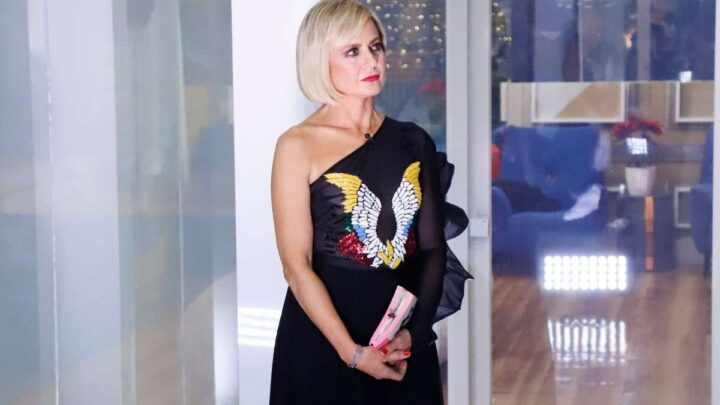 """Antonella Elia, la Boccoli la attacca: """"Non è vero che hai avuto un tumore"""""""