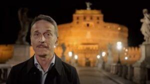 """Mediaset cancella """"Viaggio nella grande bellezza"""": il programma di Bocci chiude in anticipo"""