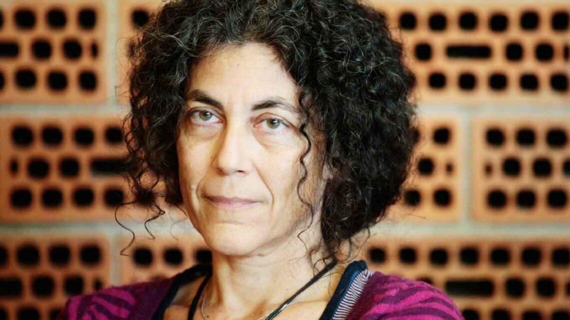 Chi è Maria Grazia Calandrone? Età e carriera della nota poetessa