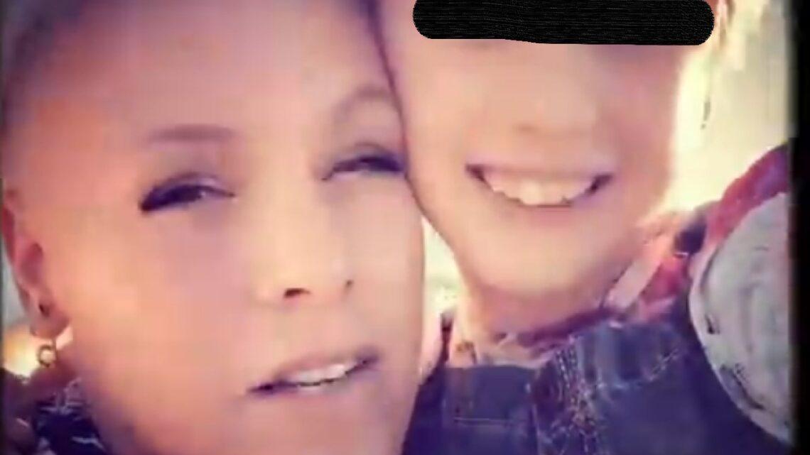 Pink e la figlia di 9 anni Willow cantano una canzone insieme per festeggiare san Valentino. L'annuncio sui social